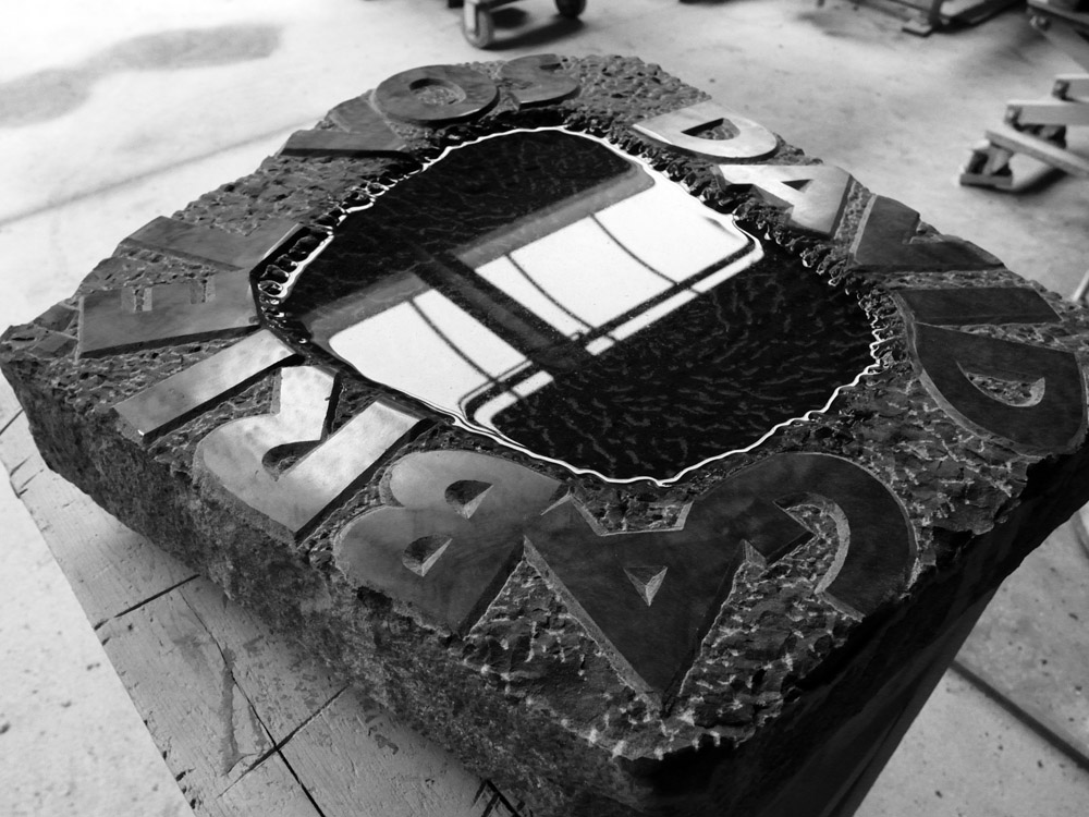 Grafsteen, tuinbeeld, gedenksteen, zwart basalt