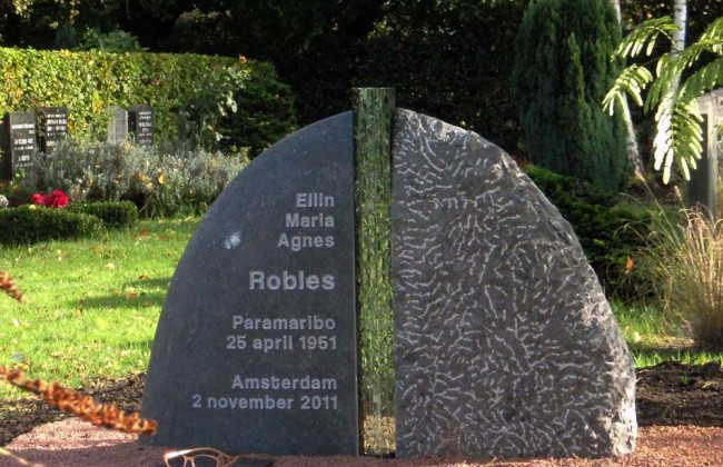 Grafmonument Robles